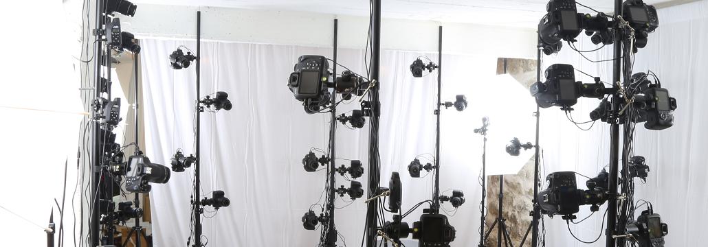 Le Studio 3D de Digitage est conçu pour capturer en 10 millisecondes tous les details du corps et du visage grâce à ses 128 appareils photos Reflex synchronisés.