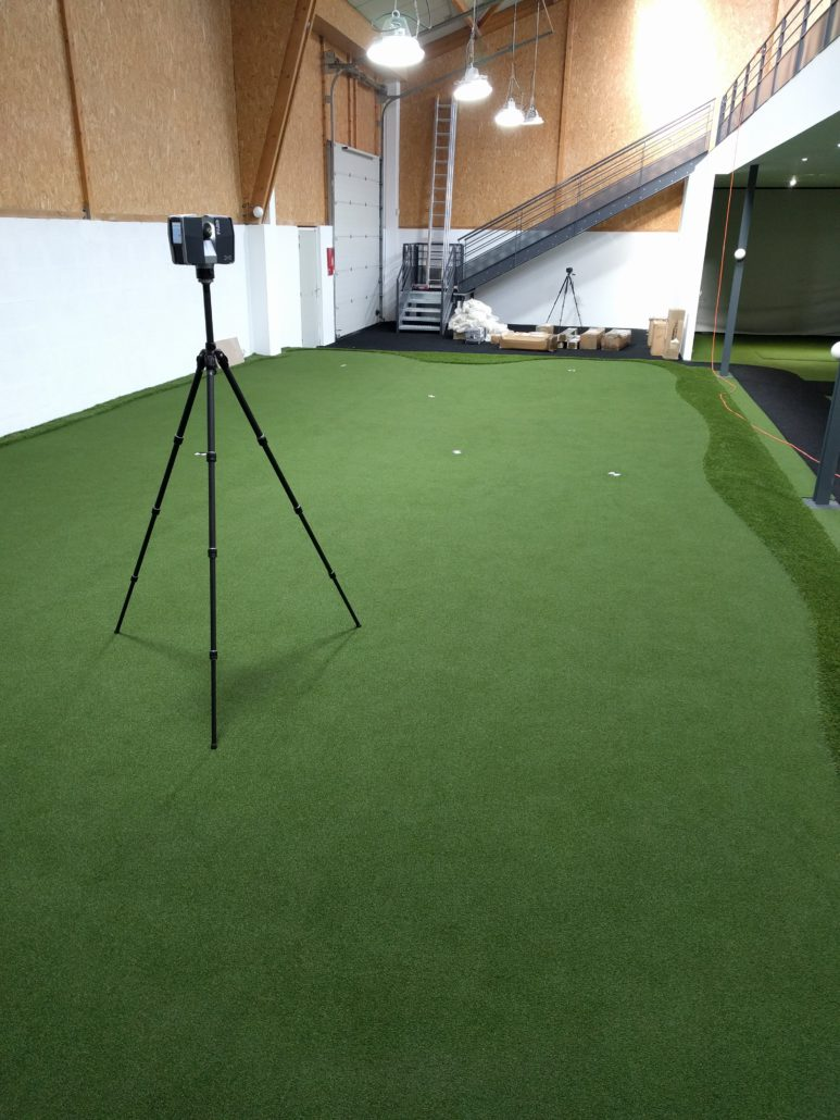 la réalité augmentée pour un meilleur entrainement, ici le terrain de golf indoor est scanné en 3D