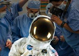 conserver et scanner en 3D la combinaison spatiale du premier homme sur la lune, neil armstrong